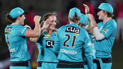 'We just weren't good enough': Sydney Sixers smashed by Brisbane Heat