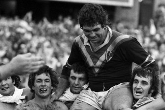 Easts captain Arthur Beetson is chaired by teammates after the 1975 premiership win.