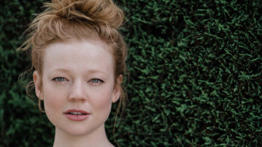 Recognised in a hippie shop, the very busy Sarah Snook has moved to Brooklyn.