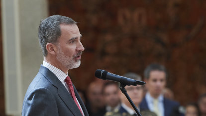 Spain's King demands good behaviour from leaders amid father's scandal