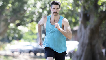 Dan Price is running 60 kms for the 60 men who die of suicide every 60 minutes globally.