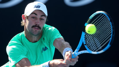 Thompson victorious, Tomic beaten by Seppi