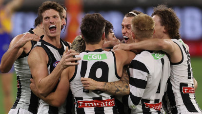 As it happened: Collingwood Magpies defeat West Coast Eagles by one point in a classic elimination final