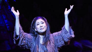 Mariana Hong as Liu in Opera Australia's 2019 production ofTurandotat the Sydney Opera House.