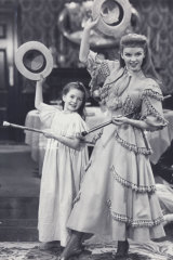 Judy Garland and Margaret O'Brien in Meet Me in St. Louis.