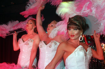 The Showbags at the Greyhound in 2002. Amanda Monroe in on the left.