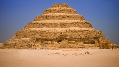 Conservationists flabbergasted by new road over Egypt pyramids plateau