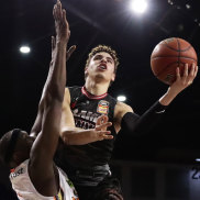 Ball shows flashes of brilliance as Hawks slip past Taipans in a thriller