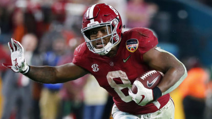 Josh Jacobs goes from homeless in middle school to potential first-round NFL draft pick
