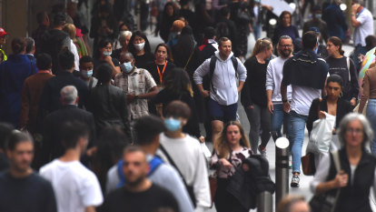 'Pulsing with people': Melbourne foot traffic climbs to highest level since start of pandemic