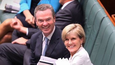 Former ministers Christopher Pyne and Julie Bishop have been cleared of breaching the ministerial code of conduct.
