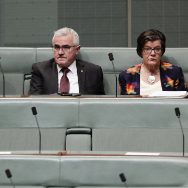 Furious crossbench MPs Adam Bandt, Andrew Wilkie, Cathy McGowan and Rebekha Sharkie vote against closing down the House of Representatives.