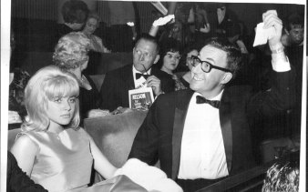 Lolita's two stars at the premiere: Peter Sellers and a slightly bored-looking Sue Lyon (1962).