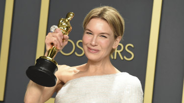 Renee Zellweger, winner of the best actress award for Judy, poses in the press room at the 2020 Oscars.
