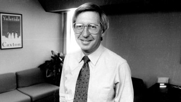 Peter Gaunt, general manger of John Fairfax Group, in his office in 1990.