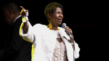 """The late """"Queen of Soul"""", Aretha Franklin, at the Elton John AIDS Foundation's 25th Anniversary Gala in 2017."""