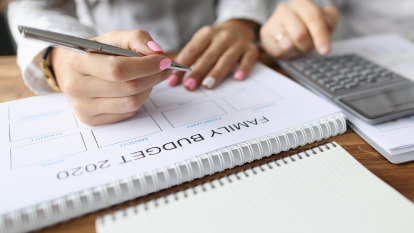 How to track spending and reach your savings goals