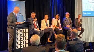 Luina Bio's Max Rossetto (second from left) with Centre for Biopharmaceutical Excellence Director Rachel Jensen, PwC Director Gyanam Sadananda, the CSO of Cell Therapies, Associate Professor Dominic Wall, and Dr Leigh Farrell, the head of health security at DMTC Limited.