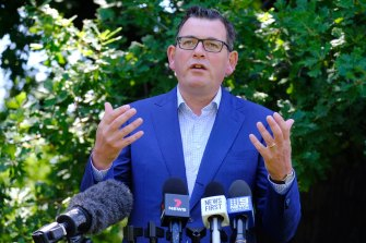 Premier Daniel Andrews has ordered 700 Victoria Police officers to the NSW border.