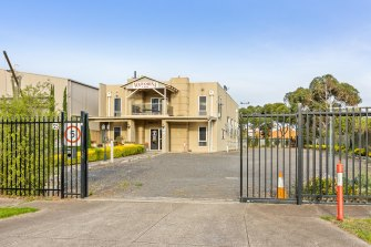 Five bidders pushed the price of a reception centre owned by the Royal Children's Hospital to $1.91 million.