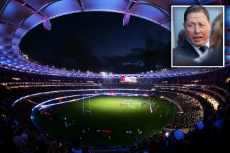 Optus Stadium (main) and Australian Rugby World Cup 2027 bid advisory board member Phil Kearns (inset).