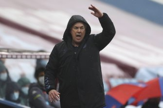 Everton manager Carlo Ancelotti reacts during the early-season pacesetters' stalemate at Aston Villa.