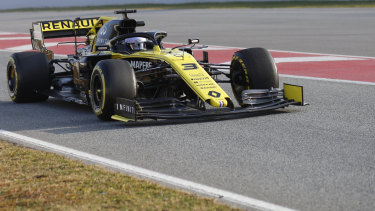 Pre-season testing got better for Renault's Daniel Ricciardo as the days went on.