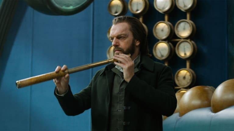 Hugo Weaving in Mortal Engines.