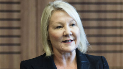 Field to replace Joyce narrows with Qantas executive's shock departure
