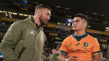 Quade Cooper chats with Wallabies youngster Noah Lolesio.