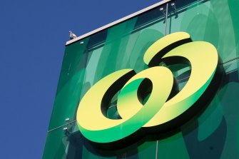Woolworths has shut its distribution centre in West Footscray for cleaning.
