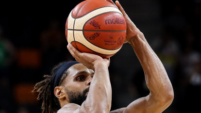 Mills, Baynes star in Boomers' huge Cup win against Lithuania
