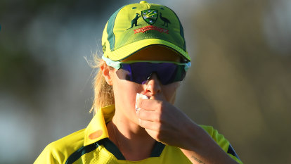 26 and out: India end Australia's ODI win streak