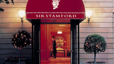 The freehold to the Sir Stamford Circular Quay was purchased by the Stamford Land Corporation in 2013.