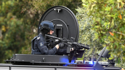 Dramatic police siege at St Kilda East apartment