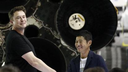 Maezawa wants you: Japan billionaire seeks 'crew' for SpaceX moon trip