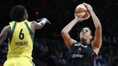 Cambage in action for the Las Vegas Aces in the WNBA.