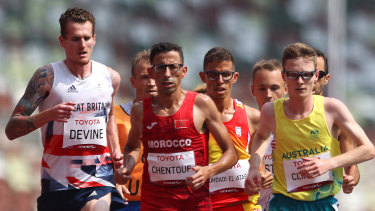 Australia's Jaryd Clifford won silver in Men's 5000m — despite collapsing across the line.