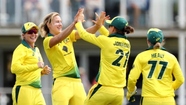 The big gap in the men's international schedule Down Under leaves plenty of clear air for Ellyse Perry and Australia.