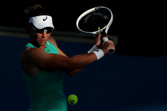 Samantha Stosur says communication from organisers is vital to allay player concerns about smoke haze.