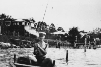 Fishing for dinner in the Brisbane River at Norman Park c. 1934.