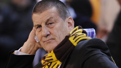 Kennett to rule Hawks until at least 75