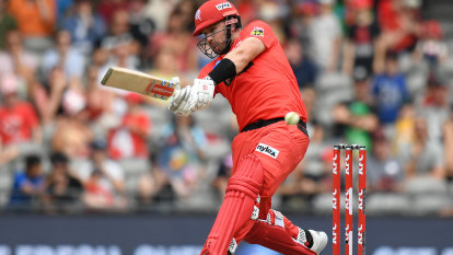 Thunder through to finals as Renegades freeze the Heat