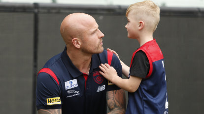 Should Nathan Jones receive a premiership medal if the Dees win?