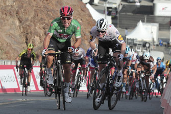 Caleb Ewan outsprints Sam Bennett on Hatta Dam during February's UAE Tour.