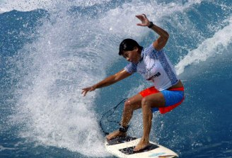 Menczer clinches the 2002 World Qualifying Series at an event in Hawaii.