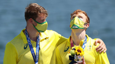 Thomas Green (left) and Jean van der Westhuyzen celebrate their Olympic gold medal.