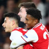 Arsenal cruise to victory, turgid United held again