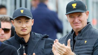 Chip shots: Li's uncomfortable debut