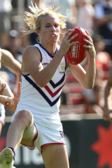 Fremantle's Dana Hooker shows strong hands.
